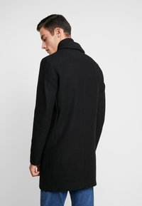 Jack & Jones - JORBLINDERS COAT - Kurzmantel - black - 2