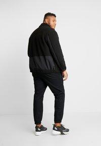 Jack & Jones - JCODRUM JACKET - Fleece jacket - black - 2