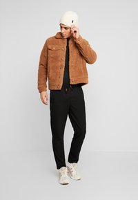 Jack & Jones - JORTEDDY TRUCKER  - Winter jacket - tigers eye - 1