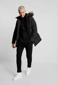 Jack & Jones - JCOMARIO PUFFER - Zimní kabát - black - 1