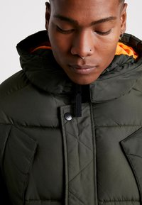 Jack & Jones - JCOJAKE LONG PUFFER - Parka - forest night - 4