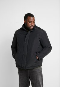 Jack & Jones - JCONOAH SHORT PUFFER - Zimní bunda - black - 0