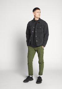 Jack & Jones - ICHASE JACKET - Denim jacket - black denim - 1
