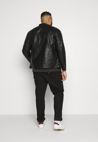 Jack & Jones - JCOROCKY JACKET - Veste en similicuir - black