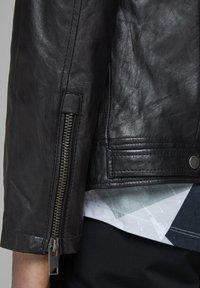 Jack & Jones - LEDERJACKE MINIMALISTISCHE - Leather jacket - black - 5