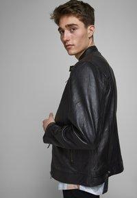 Jack & Jones - LEDERJACKE MINIMALISTISCHE - Leather jacket - black - 3