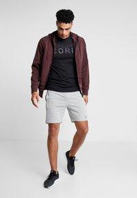 Jack & Jones - JCOFOAM REFLECT TEE CREW NECK SLIM FIT - T-shirt z nadrukiem - black - 1
