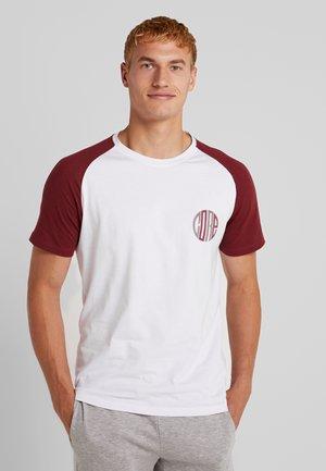 JCOROSS RAGLAN TEE - Print T-shirt - rhododendron