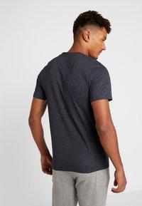 Jack & Jones - JCOSPARK TEE CREW NECK SLIM FIT - T-shirt med print - sky captain - 2