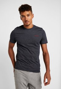 Jack & Jones - JCOSPARK TEE CREW NECK SLIM FIT - T-shirt med print - sky captain - 0