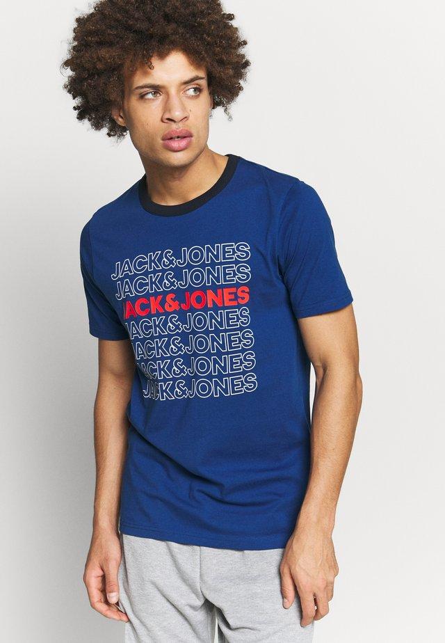 JCOPINE TEE CREW NECK - T-shirt z nadrukiem - navy peony