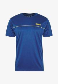 Jack & Jones - JCOZSS PERFORMANCE TEE - Print T-shirt - navy peony - 3
