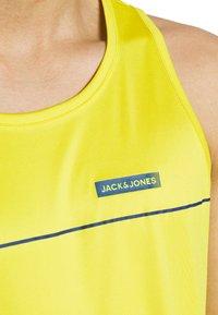 Jack & Jones Performance - JCOZPERFORMANCE TANK - Top - sulphur spring - 4