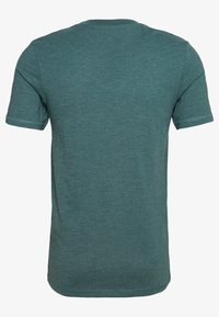Jack & Jones - JCOFADE TEE CREW NECK - Print T-shirt - north atlantic - 1
