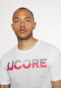 Jack & Jones - JCOSTALLY  - Print T-shirt - white - 3