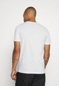 Jack & Jones - JCOSTALLY  - Print T-shirt - white - 2