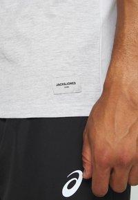 Jack & Jones - JCOSTALLY  - Print T-shirt - white - 5