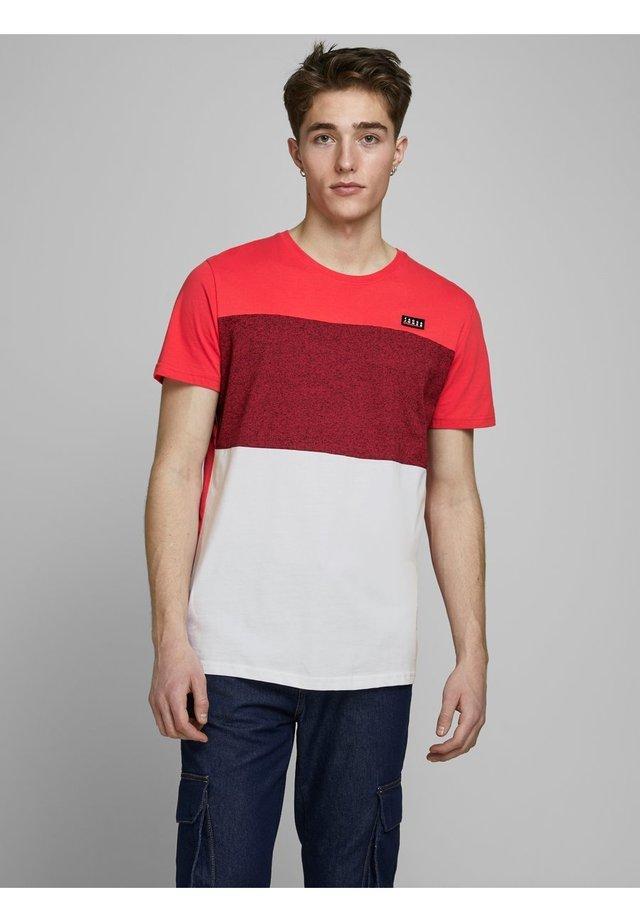 JCOCHASE TEE CREW NECK - T-shirt med print - bittersweet