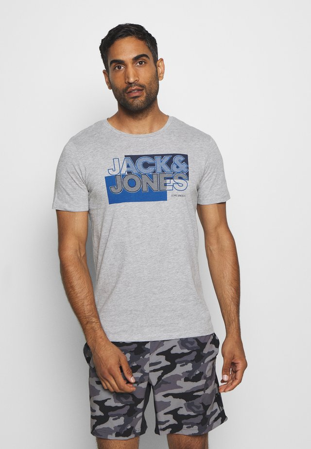 JCOBOOSTER TEE CREW NECK - T-shirts med print - light grey melange