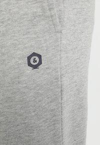 Jack & Jones - Pantalones deportivos - light grey melange - 6