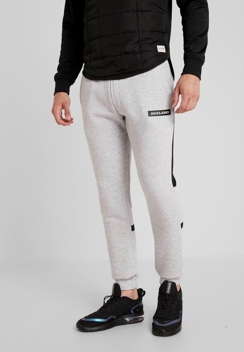 Jack & Jones - JJIWILL JJSUPERCELL PANT  - Spodnie treningowe - light grey melange