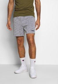 Jack & Jones Performance - JJIZSWEAT SHORT - Sports shorts - light grey melange - 0