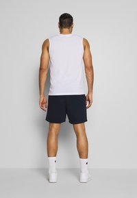 Jack & Jones Performance - JJIZSWEAT SHORT - Sports shorts - sky captain - 2