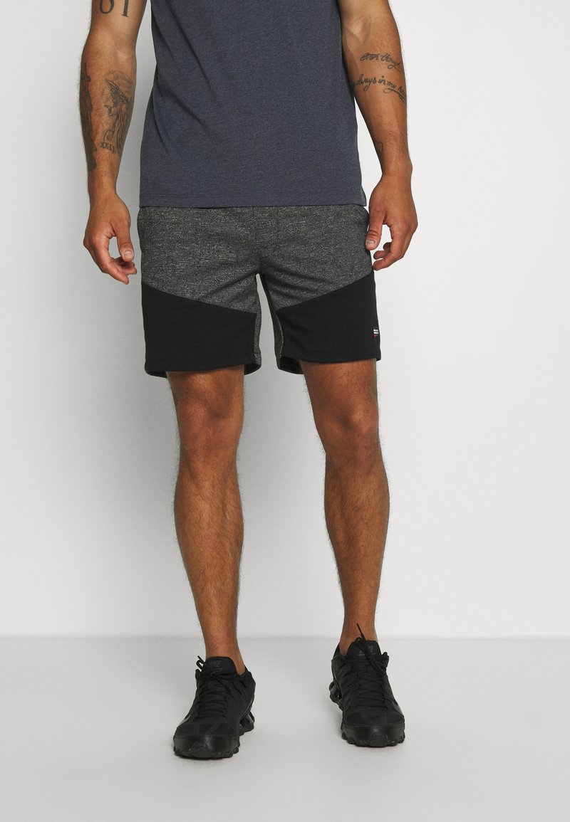 Jack & Jones - JJICOLT - Sports shorts - pirate black