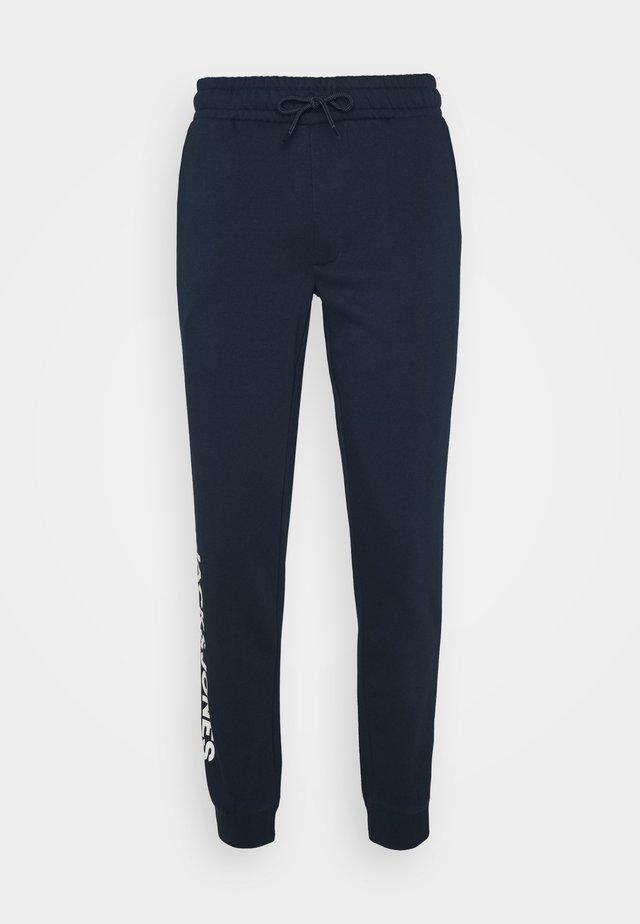 JJIGORDON SIDE SOFT PANTS - Verryttelyhousut - navy blazer