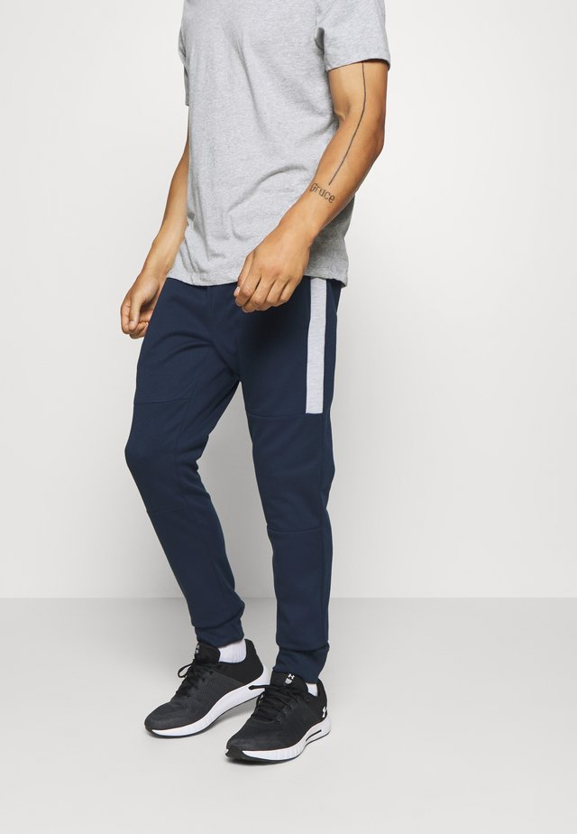 JJIWILL JJSEEN PANT - Tracksuit bottoms - navy blazer