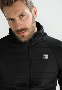 Jack & Jones - JCOMULTI QUILTED JACKET - Outdoor jacket - black - 4