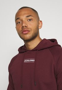 Jack & Jones - JCOTULIP HOOD - Sweat à capuche - port royale - 3