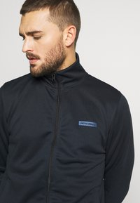 Jack & Jones Performance - JCOZPOLY SUIT - Tracksuit - sky captain - 5