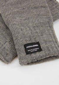 Jack & Jones - JACHENRY FINGERLESS GLOVES - Fingerless gloves - grey melange - 3