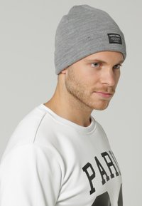 Jack & Jones - JJDNA BEANIE - Čepice - grey - 0