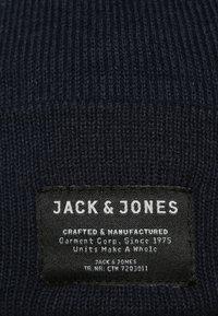 Jack & Jones - JJDNA BEANIE - Čepice - navy blazer - 5
