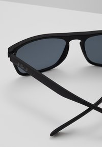 Jack & Jones - JACMAVERICK SUNGLASSES - Sunglasses - black bean - 3