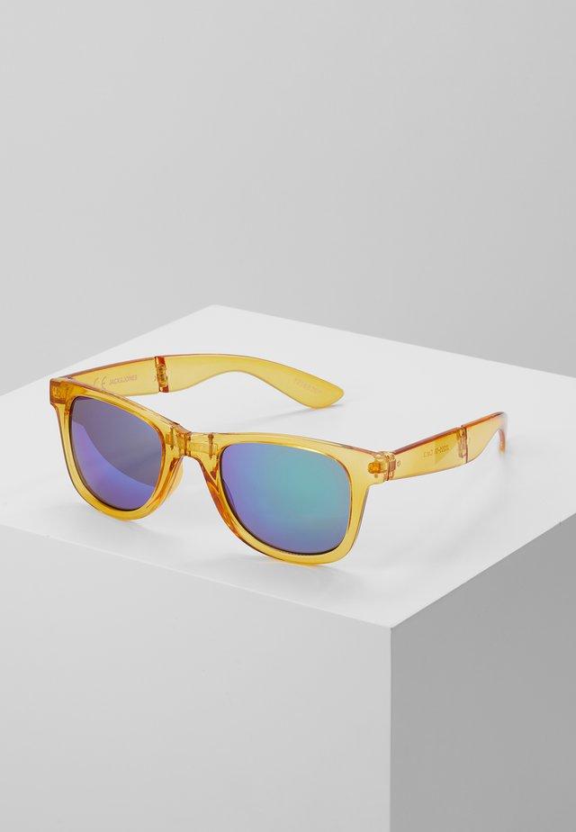 JACFOLD SUNGLASSES - Okulary przeciwsłoneczne - caramel