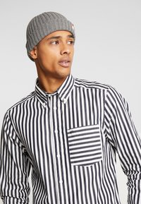 Jack & Jones - JACRDD SHORT - Gorro - grey melange - 1