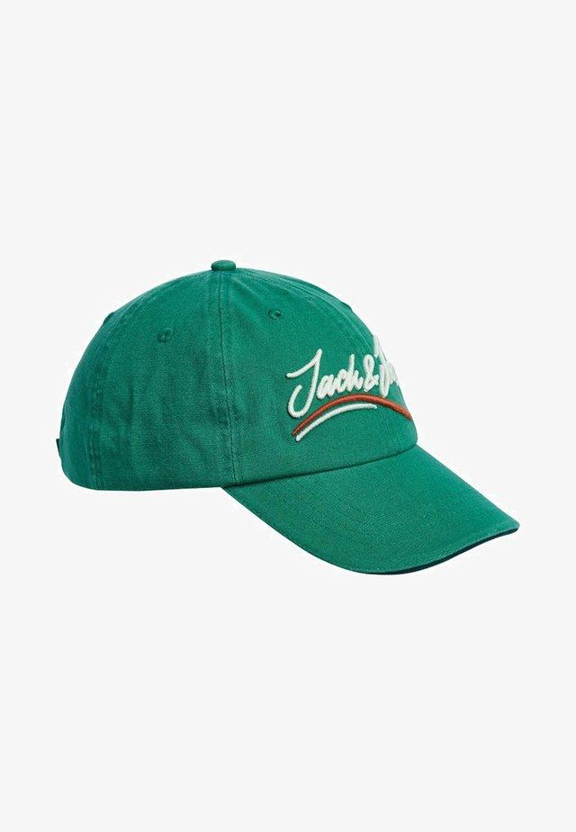 Caps - fir