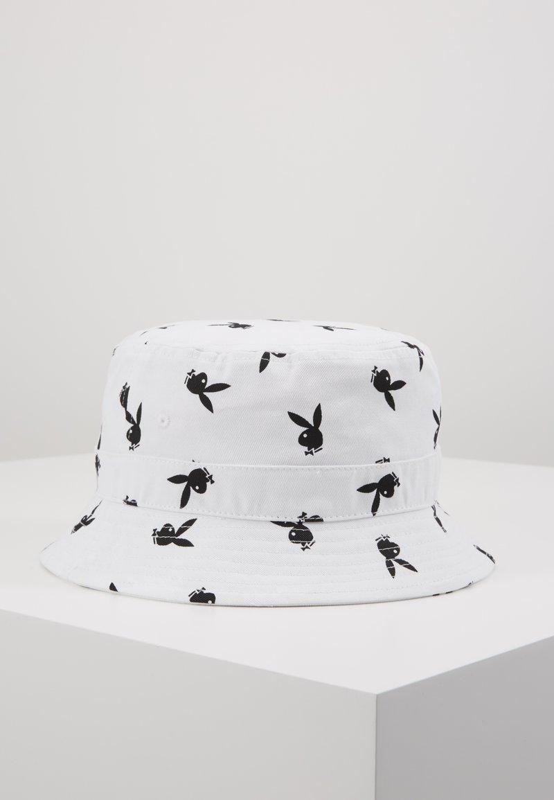 Jack & Jones - JACPLAYBOY BUCKET HAT - Hat - white