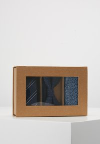 Jack & Jones - JACNECKTIE GIFT BOX - Pocket square - navy blazer - 5