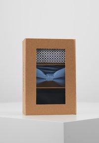 Jack & Jones - JACFREDERIK GIFT BOX SET - Pañuelo de bolsillo - navy blazer - 4