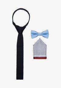 Jack & Jones - JACFREDERIK GIFT BOX SET - Pañuelo de bolsillo - navy blazer - 0