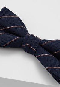 Jack & Jones - WILLIAM BOWTIE - Pajarita - navy blazer/stripes - 3