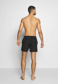 Jack & Jones - IARUBA TAPE - Shorts da mare - black - 2