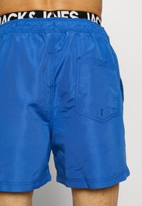 Jack & Jones - JJIARUBA JJSWIMSHORTS LOGO - Bañador - surf the web - 1