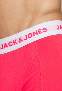 Jack & Jones - JACNEON SOLID TRUNKS 3 PACK - Culotte - diva pink/andean toucan - 5