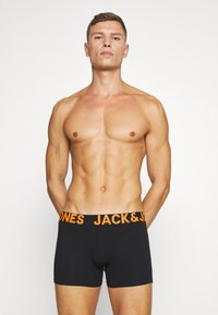Jack & Jones - JACZAL TRUNKS 3 PACK - Shorty - black - 3