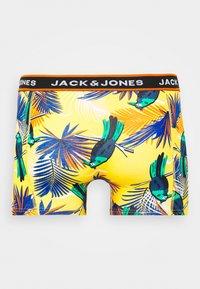 Jack & Jones - JACSUMMER. ANIMALS TRUNKS 3 PACK - Shorty - diva pink/blanery/yolk yellow - 1